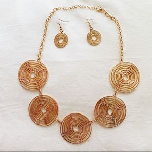 Jewelry - Gorgeous gold earrings and necklace!